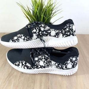 Black Paint Splattered 8 / 9 Band Sneakers shoes